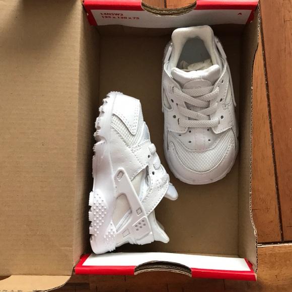 outlet store eda1b f47da Brand New Kids Nike Huarache Run. M5a5a22709d20f0ae6e29a962